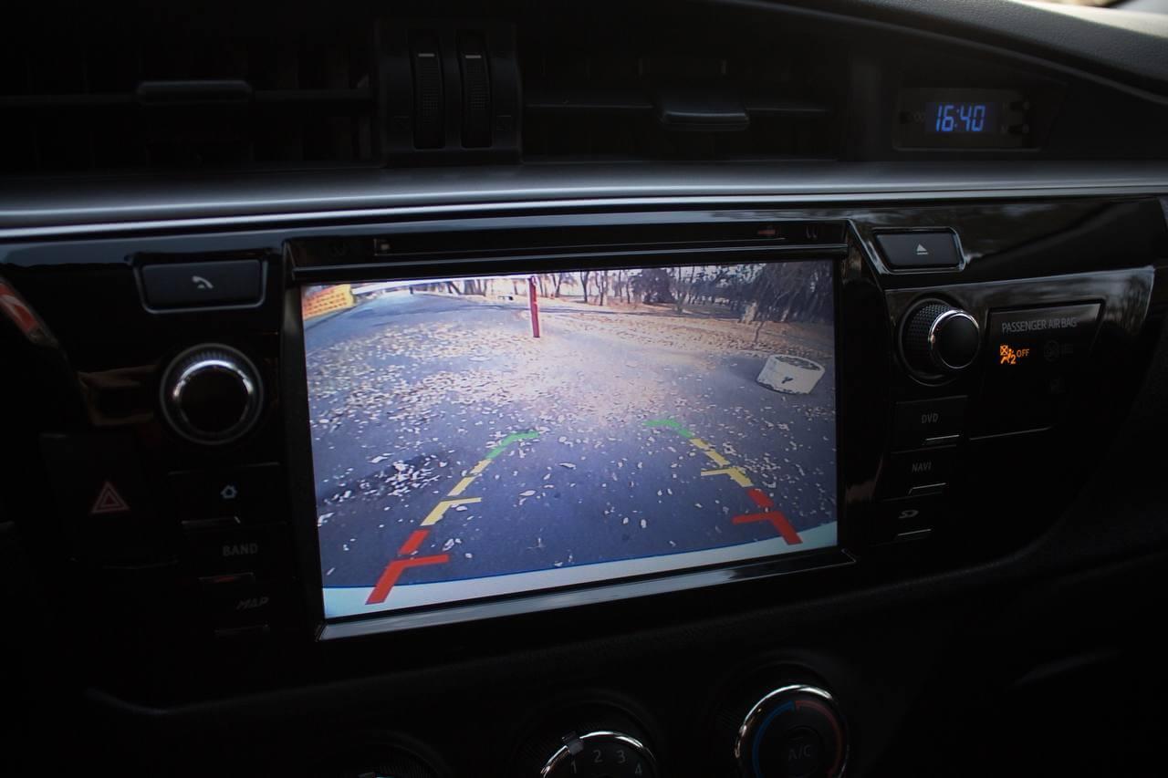 Toyota Corolla 2015 камера заднего вида