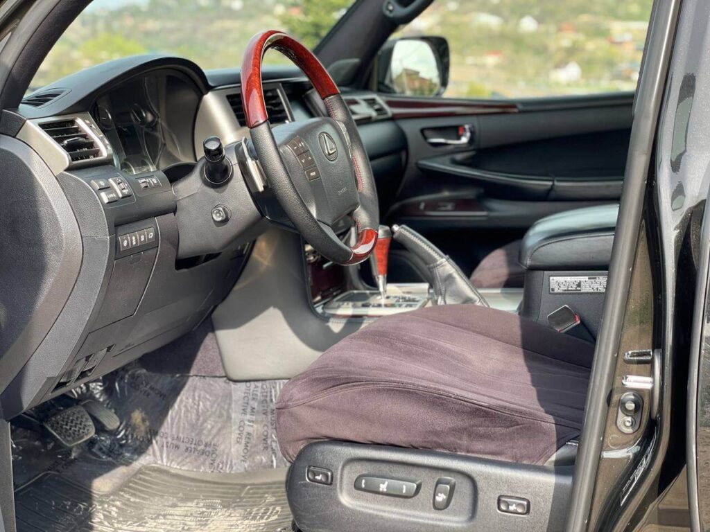 аренда Lexus Lx 570 F-Sport фото 6